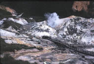 Jigokudai (Hell Valley) at Noboribetsu, Hokkaidō, where paths lead among the sulphurous hot springs and bubbling pools.